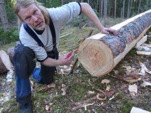 Bengt Bygdén i färd med att rita på ämnen före klyvningen