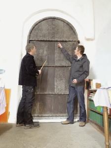 en 1000-årig dörr av ek